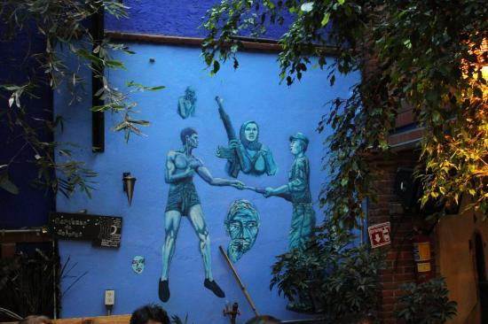 El Cenote Azul Hostel: zona de restaurante