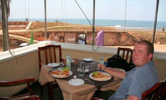 Rampart Restaurant: 1st floor view overlooking the ocean