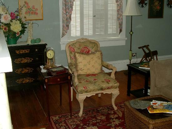 Spencer House Bed and Breakfast: Sitting area of Suite