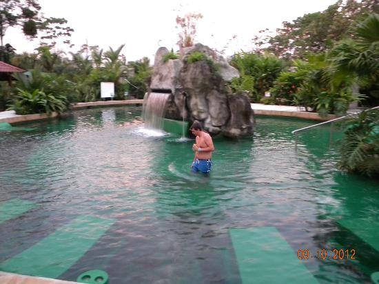 colorado spring pools that will take paradise