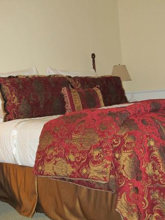 Lord Camden Inn: Comfortable Bed