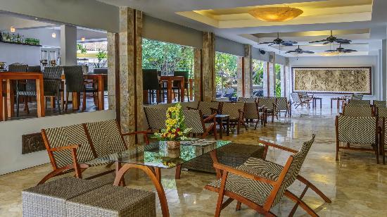 Maharani Beach Hotel: Lobby