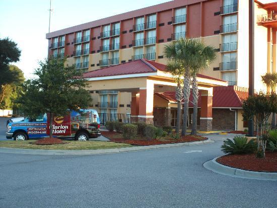 Charleston Grand Hotel: Entrance