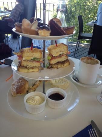 The Lagoons Cafe and Gallery: High Tea....indeed! Fab...