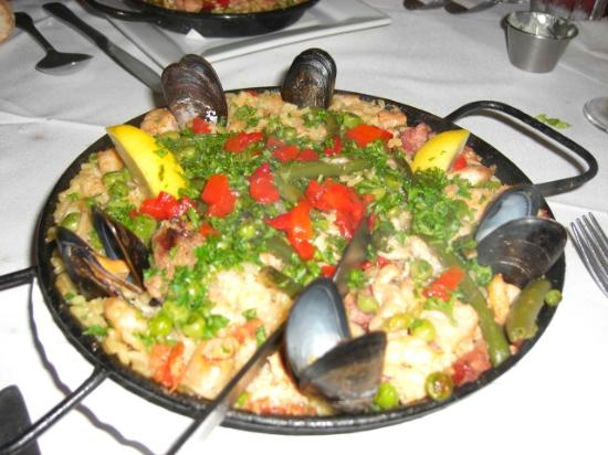 Rathbone Mansions: Paella at Lola's
