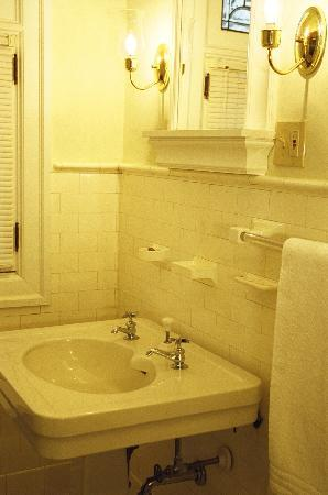 Mayor Lord's House Bed & Breakfast : Original Subway tile and Marble Flooring
