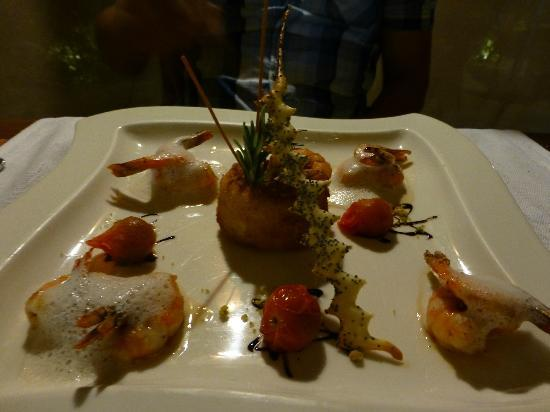 Bora Bora Pearl Beach Resort & Spa: Dinner at the hotel!