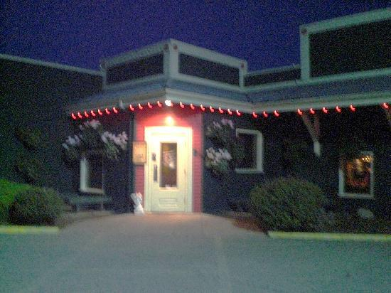 Entrance to Tomato Street Italian restaurnt in Coeur d Alene, ID