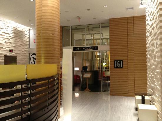 Sheraton Tribeca New York Hotel: Lobby