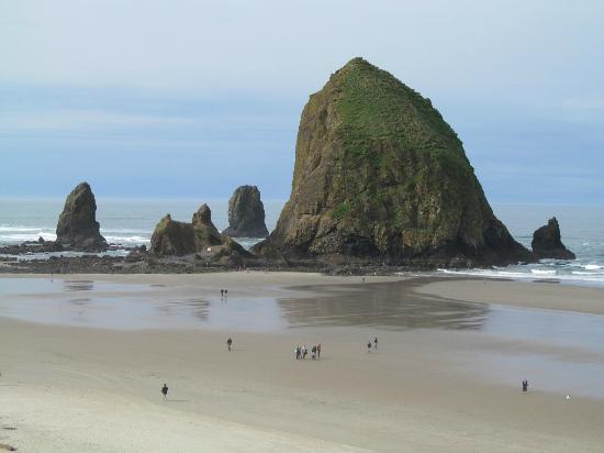 Haystack Rock: almost low tide