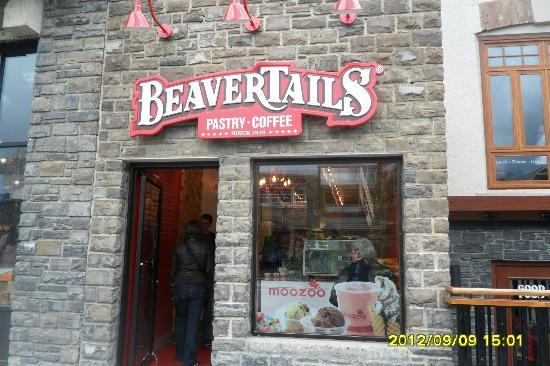 Beaver Tails : BeaverTails - right on Main street
