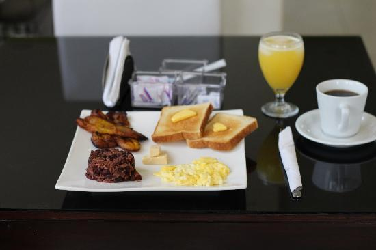 Villa del Angel Hotel: Yummy Breakfast Juice and Coffee