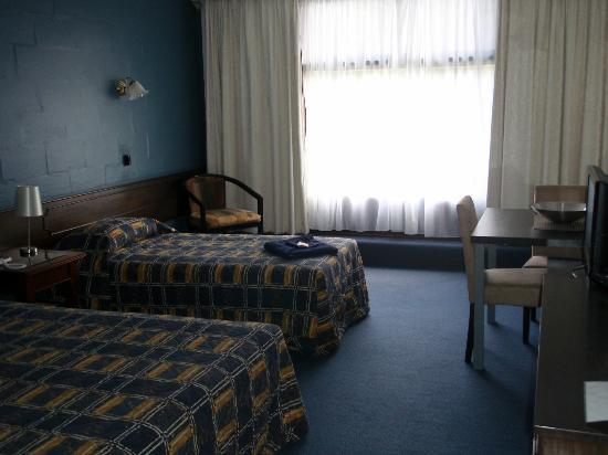 West Coaster Motel: Standard Room (Upstairs)