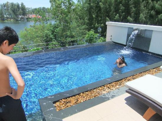 Dusit Thani Laguna Phuket: 3階のプール。