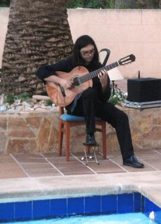 Hotel Roc Oberoy: Livemusik beim Abendessen im Aussenbereich - gelegentlich