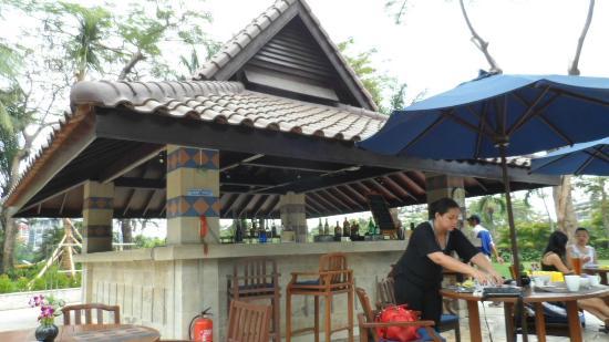 Shangri-La Hotel Jakarta: Pool Bar