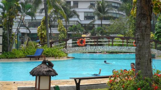 Shangri-La Hotel Jakarta: Life Guards on Duty