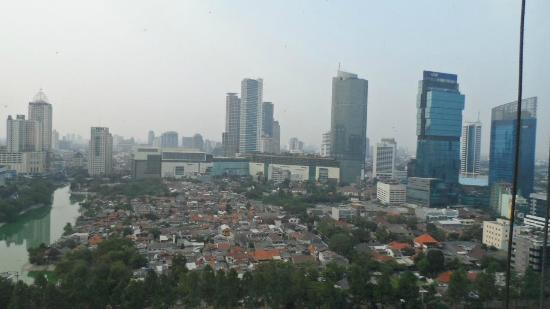 Shangri-La Hotel Jakarta: View from Horizon Club
