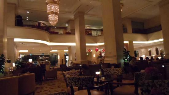 Shangri-La Hotel Jakarta: Lobby Lounge