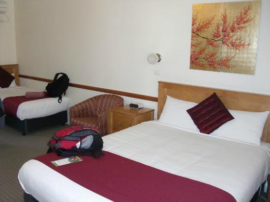 3 Explorers Motel: Beds