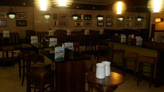 Mitchell's Kitchen and Bar: restaraunt