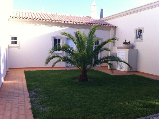 Vila do Castelo : This was the front view of our beautiful villa