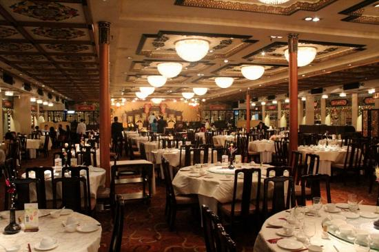 The dining room picture of jumbo kingdom floating for Dining room hong kong