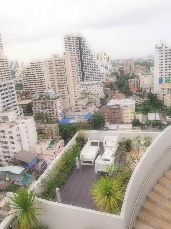 Shama Sukhumvit Bangkok: view from pool