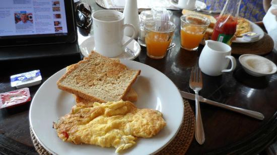 Rungan Sari Meeting Center & Resort: Breakfast