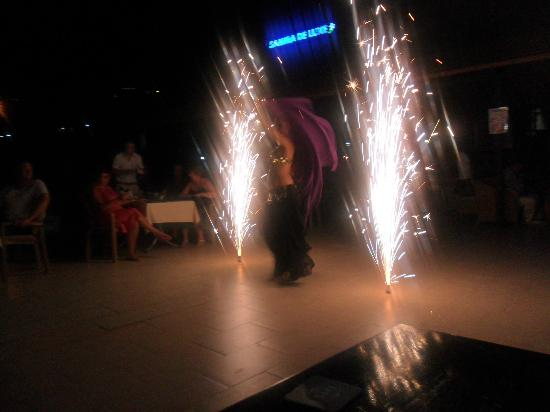 Samira Resort: Belly dancer - turkish night