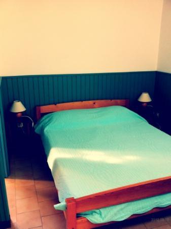 Les Pavillons du Belvedere : camera matrimoniale letto 140