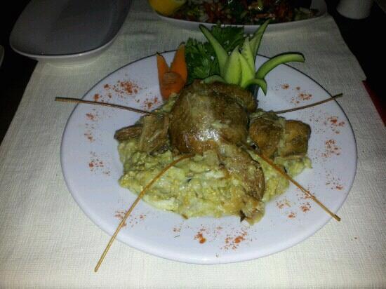 Yali Meyhanesi: Lamb on eggplant.....