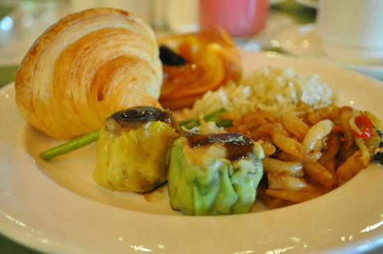 The Royale Chulan Kuala Lumpur: Excellent buffet breakfast