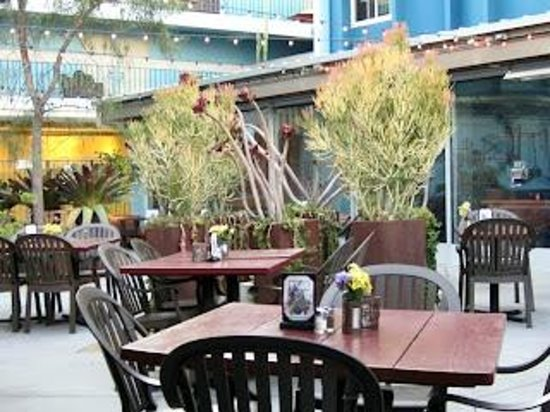 TART: Outdoor patio