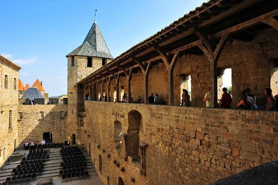 carcassonne ch teau comtal picture of chateau et remparts de la cite de carcassonne. Black Bedroom Furniture Sets. Home Design Ideas
