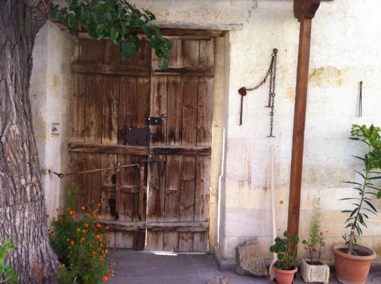 Upper Greek House: Main door - beautifully restored - over 100 years old?