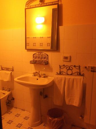 Hotel Etnea 316: Bathroom