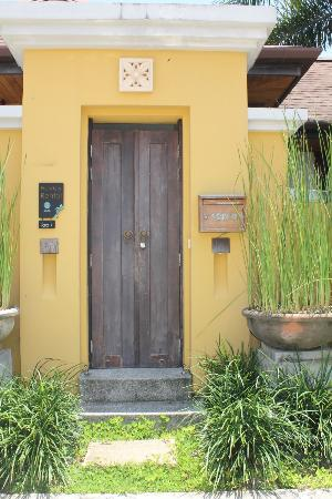 Two Villas Tara: Main door