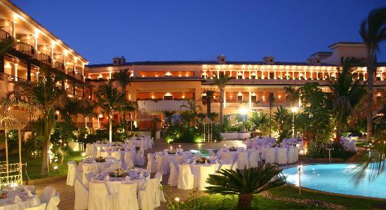 Gran Hotel Atlantis Bahia Real : Gala dinner