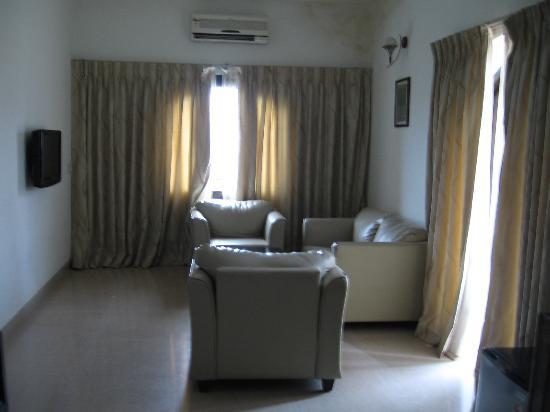 Calangute Grande: living room