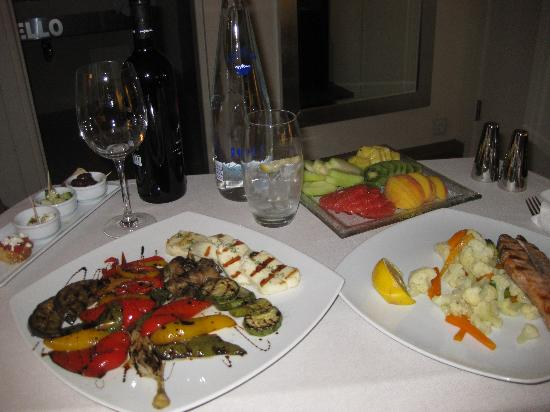 O&B Athens Boutique Hotel: my room service dinner