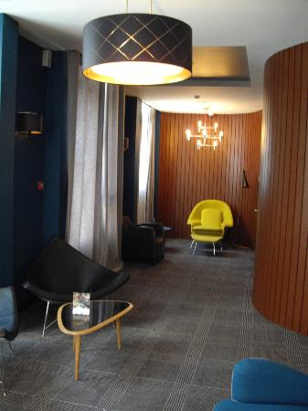 Platine Hotel: Quiet lounge area - ideal to sit in quiet and read