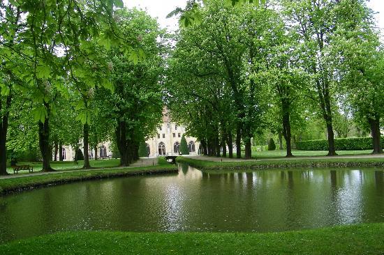 Abbaye de Royaumont : dans son cadre de verdure