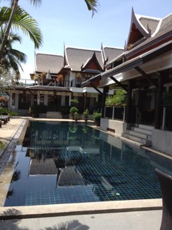Baan Yin Dee Boutique Resort : resto pool