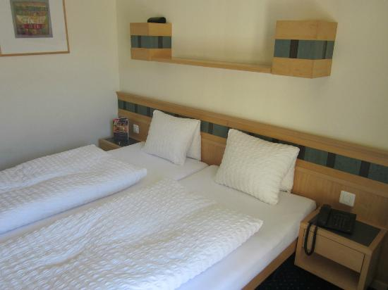 Hotel Victoria-Lauberhorn: Doppelzimmer