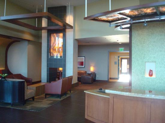 Hyatt Place Grand Rapids-South : Nice ultra chic lobby!