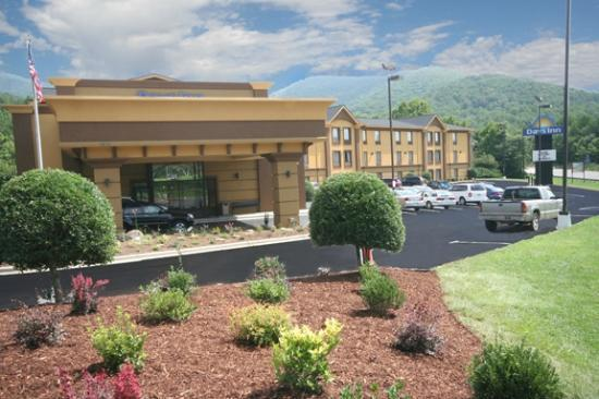 Days Inn Biltmore East: Exterior