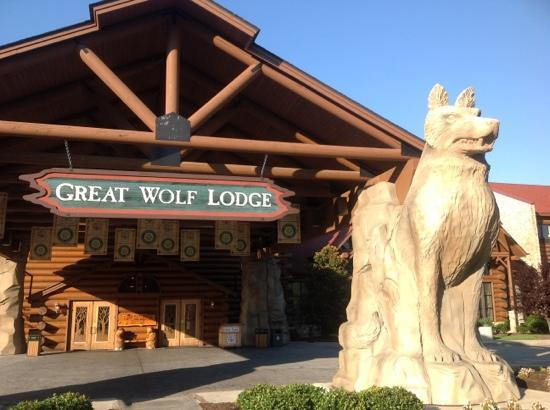 Great Wolf Lodge: outside