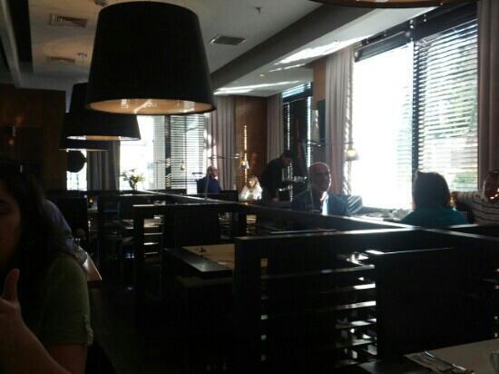 Radisson Blu Santiago La Dehesa: Restaurant