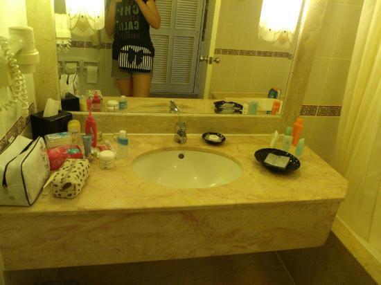 Bath Room Picture Of Hotel Equatorial Melaka Melaka Tripadvisor